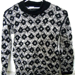 VTG Campus Peddler Womens  Sweater Imported 2-Ply